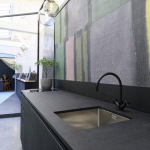 Meuble-de-cuisine-1-Résine-tissu-Showroom-Propose-Paris